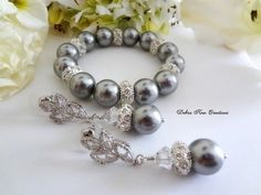 Swarovski Grey Pearl Bracelet and Earrings Set by DebraAnnCreations.etsy.com #bridal #wedding #swarovski #greywedding #graywedding #bracelet #earrings