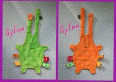 Doudou plat étiquettes bi-colore attache tétine modèle garçon : Jeux, peluches, doudous par gytna