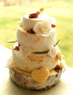 4-Tier Cheese wedding Cake (perfect for a miniature wedding!) from Homewardflight.