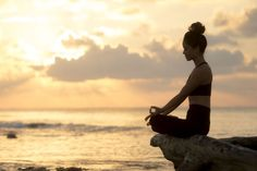 The benefits of meditation are well known. What Meditation Does to Your Brain? You get calmer, you can focus better, your stress levels are reduced and you can sleep better. But the benefits of meditation do not end there. This seemingly simple exercise of closing the eyes and tuning inwards can actually make lasting physical changes in your body. Specifically, it can literally change your brain!
