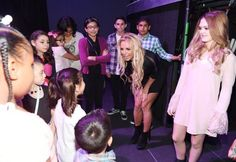 andy @krystalgenic  Dec 7 Britney: Hi sweetie what's your name?  Child: Hunter  Britney: EVERYBODY GIVE IT UP FOR HUNTY !!