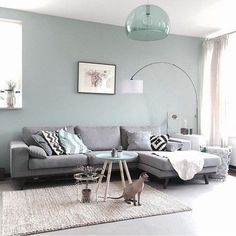 Having small living room can be one of all your problem about decoration home. To solve that, you will create the illusion of a larger space and painting your small living room with bright colors c… My Living Room, Living Room Interior, Home And Living, Cozy Living, Ideas For Living Room, Living Area, Loving Room Ideas, Interior Livingroom, Clean Living