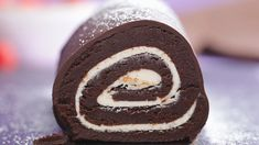 Happy accidents are even better when they involve cake. Cake Roll Recipes, Brownie Recipes, Snack Recipes, Dessert Recipes, Chocolate Swiss Roll, Chocolate Roll Cake, Swiss Roll Cakes, Swiss Cake, Just Desserts