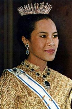 Queen Sirikit wearing Sri Bajarindra's Diamond Fringe Tiara, Thailand (diamonds).