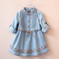 2016 Весенняя мода Осень Девушки пояса Жан девушок цветка платья Вышитые Denim платье Дети платье