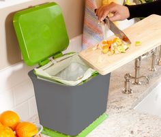 A compost collector that will fit right on your counter top.