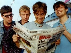 Blur in Grimsby in two years before the release of their self-titled fifth album. Damon Albarn, Jamie Hewlett, Blur Band, Graham Coxon, Def Not, British People, The Strokes, Britpop, Band Photos