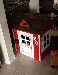 Eu Amo Artesanato: Casinha de papelão passo a passo Cardboard Box Houses, Peppa Pig, Kids House, Cabana, Arcade Games, Preschool Activities, Outdoor Decor, Projects, Crafts