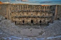 Roman Colosseum is one of the architectural masterpieces of the ancient world. It stands at the centre of the iconic city of Rome. Brown Brick, Ancient Architecture, Nature Images, Roman Empire, Textured Background, Rome, Photo Wall, History, Building