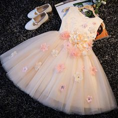 2017 Sweet A-Line Lace Up Embroidery Appliques Princess Kids Dress For Girls Elegant Prom Party Wedding Flower Girls Dress Wedding Flower Girl Dresses, Flower Girls, Little Girl Dresses, Girls Dresses, The Dress, Baby Dress, Girls Party, Kids Frocks, Bridesmaid Outfit
