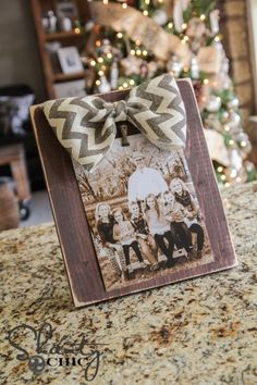 Bow Picture Frame DIY - Pinterest Party