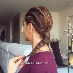 """So a lot of you thought this was braided, but guess what its twisted. Small hair sections twisted into each other while adding new hair and twisting it again Lips: lip pencil """"Nightmoth"""" from @maccosmetics all over the lips and on top of that """"Crushed Plum"""" from @bobbibrown  Song: Mya - Free"""