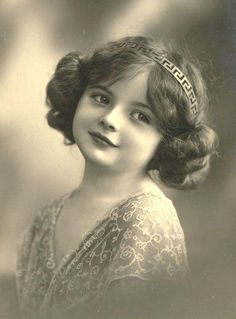 vintage girl photo of Emily River Davis