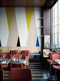 restaurant | pan à paris | colour combination + variety of textures + finishes layered within the one space