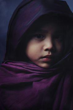 Child in - PURPLE  What a magnificient photo, exellent photographer, beautiful portrait