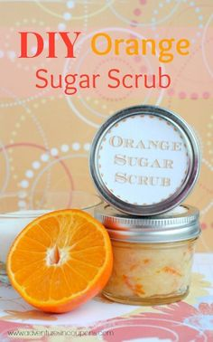 Homemade Orange Sugar Scrub - Do you LOVE homemade bath products? If so, this DIY orange sugar scrup is perfect! It's even zero waste for those of us trying to learn how to reduce waste! Mix up a batch in just a few minutes and give as a DIY gift idea! Sugar Scrub Recipe, Sugar Scrub Diy, Sugar Scrubs, Sea Salt Scrubs, Body Scrub Recipe, Diy Body Scrub, Diy Scrub, Bath Scrub, Natural Body Scrub
