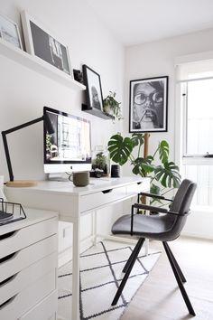 White Desk in Scandinavian Home Office Design Ideas withh monstera plants via StyleCuratorAU Home Office Decor, Office Desk, Home Decor, Office Inspo, Office Jobs, Cozy Office, Office Setup, Best Interior, Interior Design