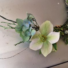 fabulous vancouver florist Hellebore. Actually probably my favourite flower. But that's a pretty mean question to ask a florist #hellebore #flowercrown #afterlight by @rogue_florist  #vancouverflorist #vancouverflorist #vancouverwedding #vancouverweddingdosanddonts