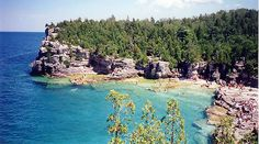 This was photographed near Tobermory, on the Bruce Peninsula in Ontario, Canada. It has the clearest water for diving in the whole country. Tobermory Canada, Tobermory Ontario, Manitoulin Island, Out Of This World, World Best Photos, Dream Vacations, Scenery, Swimming, River