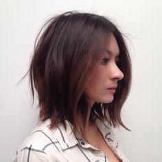 medium+wavy+dark+brown+hairstyle