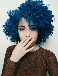 Chaotic short curls curly hair with bangs in 2019 hair, curly hair styles. Curls For Long Hair, Curly Hair With Bangs, Short Curls, Colored Curly Hair, Hairstyles With Bangs, Blue Hair, Curly Hair Styles, Cool Hairstyles, Natural Hair Styles