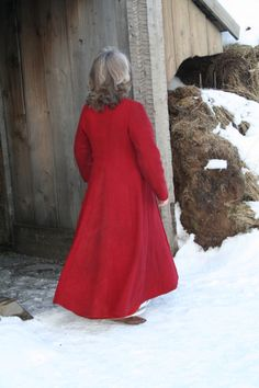 Viking clothing and etc.  Non-english site, but lots of cool stuff, inclusing embroidery and tablet weaving photos