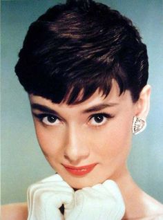 The Audrey Hepburn pixie cut signifies a daring woman who doesn't hide behind her hair nor need hair to be feminine. Audrey Hepburn Pixie, Popular Hairstyles, Pixie Hairstyles, Cool Hairstyles, Haircuts, Twiggy, Hair And Beard Styles, Short Hair Styles, Beard Brush
