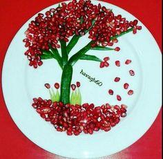بشقاب یلدا Veggie Art, Vegetable Salad, Salad Presentation, Food Art For Kids, Food Decorations, Food Carving, Ice Sculptures, Food Platters, Easter Recipes