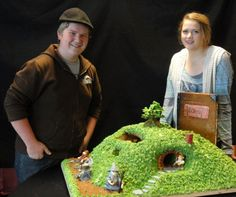 """So cool! """"Congrats to Josiah and Joy, our new Hobbit Fans of the Week, who won 1st place in their town's """"Gingerbread Jubilee"""" for a Hobbit-themed twist on the holiday treat. Everything in their gingerbread Bag End is completely edible, including the fondant figures of Bilbo, Gandalf, Thorin and the Company - all 13 of them."""""""