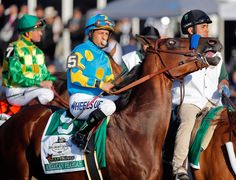 American Pharoah, ridden by Victor Espinoza, wins the Triple Crown by winning the Belmont Stakes. It's the first time a horse has won the Kentucky Derby, Preakness Stakes and Belmont Stakes since The Belmont Stakes, Triple Crown Winners, American Pharoah, Sport Of Kings, Bull Riders, Thoroughbred Horse, Racehorse, Horse Racing, Kentucky Derby