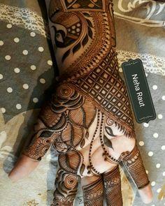 #LoveTejaan #Pari.kapadia Khafif Mehndi Design, Modern Mehndi Designs, Mehndi Design Pictures, Mehndi Designs For Girls, Wedding Mehndi Designs, Beautiful Henna Designs, Latest Mehndi Designs, Mehndi Images, Pakistani Henna Designs