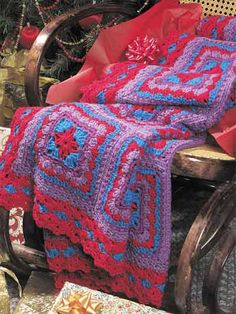 Amish Print Afghan Free crochet afghan pattern link on freepatterns Crochet Motifs, Crochet Quilt, Crochet Blocks, Crochet Cross, Crochet Squares, Love Crochet, Knit Crochet, Crochet Blankets, Granny Squares