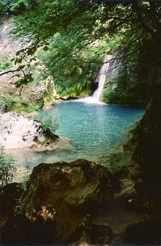 Nacedero del Urederra, Navarra Must do activity! Travel Ads, Spring Lake, Pond, Pamplona, Spain, River, Activities, Wonderland, To Go