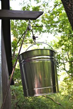 Treehouse Update treehouse bucket/pulley at the top – ModFruGal