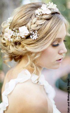 #NewYorkDress Blog // #Wedding Hair Decor // Click through for some of our favorites!