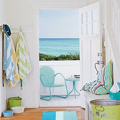 Bright & airy beach style