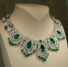 Van Cleef & Arpels: Pierres de Caractère. Check out this stunning and mesmerizing Zambian Emerald Vancleef necklace via ....