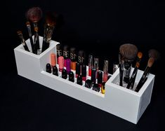 Makeup Brush Storage, Makeup Drawer Organization, Makeup Brush Holders, Makeup Stand, Makeup Box, Wall Mounted Makeup Organizer, Rangement Makeup, Natural Makeup Tips, Make Up Storage