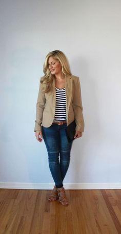Striped Shirt with Jeans and a Khaki Blazer Beige Blazer Outfit, Blazer Outfits Casual, Khaki Blazer, Blazer Outfits For Women, Look Blazer, Business Casual Outfits, Summer Outfits Women, Classy Outfits, Office Outfits Women Casual