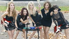 Frankie Sandford Photos Photos - (L-R) Una Healy, Vanessa White, Molly King, Rochelle Wiseman and Frankie Sandford attend photocall to launch Band Hero game for PS3, Wii and Xbox 360 at Hyde Park on November 6, 2009 in London, England. - The Saturdays Launch Band Hero - Photocall