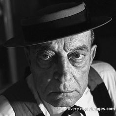 """A comedian does funny things. A good comedian does things funny.""  Buster Keaton (1895-1966) was born on this day. Do you think that he was a good comedian?  Portrait by Sid Avery. . . . #BusterKeaton #botd #bornonthisday #otd #onthisday #hbd #happybirthday #birthdayboy #historical #oldHollywood #vintageHollywood #classicHollywood #comedian #silentfilm #vaudeville #SidAvery #mptvimages"
