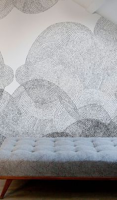 Papier peint Cloudy via Goodmoods Hall Wallpaper, Black And White Living Room, Style Deco, Wall Finishes, Interior Walls, Cool Patterns, Designer Wallpaper, Decoration, Wall Murals