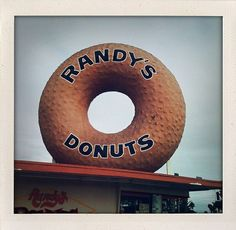 Randy's Donuts- Los Angeles, CA Short hop from lax great donut shop-no place to sit just grab and go California Vacation, California Dreamin', Los Angeles California, Randys Donuts, Cool Restaurant, I Love La, City Of Angels, Los Angeles Area, La La Land