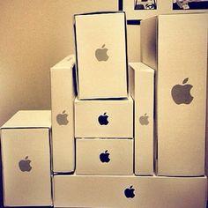Apple products belong to these boxes Macbook Keyboard Stickers, Buy Macbook, Apple Laptop Macbook, Macbook Pro Skin, Macbook Decal, Apple Rose Gold, Apple Roses, Steven Universe, Apple Packaging