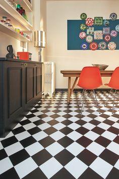 Chic and amazing PVC floors - Trendy Home Decorations Parquet Pvc, Pvc Flooring, Sol Pvc, Damier, Trendy Home, Eclectic Decor, Kitchen Interior, Industrial Style, Decoration