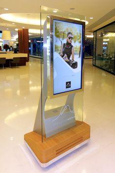 ILUSTRE IDEIA Shopping Leblon #digitalsignage #wayfinding #signage #mall #directory #totem #environmentaldesign #EGD #SEGD