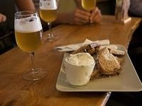 Beer Tour in Brussels: A selection of 8 local Belgian beers, Belgian fries and Brussels' cheeses. #Belgium