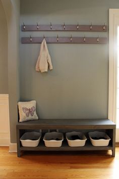 step by step tutorial w/ cut list and plans for bench w/ shoe storage