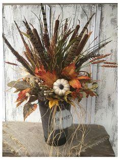 Pumpkin Arrangements, Fall Flower Arrangements, Halloween Floral Arrangements, Fall Flowers, Dried Flowers, Harvest Decorations, Fall Table Decorations, Fall Table Centerpieces, Autumn Decorating