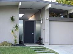 Eichler homes embody a passion and love for architecture. Discover their story clicking on the image.